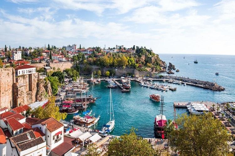 تحصيل ما نسبته 2% من فاتورة الفنادق في تركيا