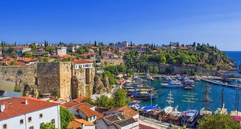 سيتم تطعيم أكثر من مليون عامل سياحة في تركيا